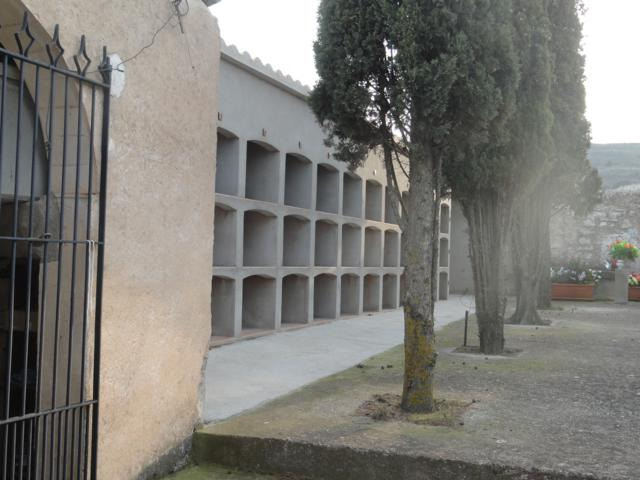 Cementiri de Sant Pere dels Arquells