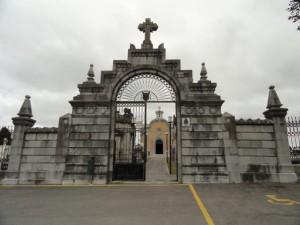 Cementiri de la Carriona: portalada d'accés